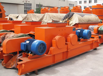 Photo 1 of Double Roller Crusher
